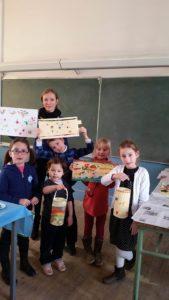 stage art matriochka en bigouden avec les enfants